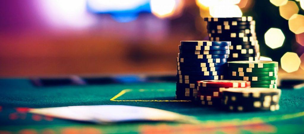 ポーカーをオンラインで楽しむ!